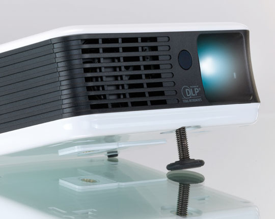 Toshiba F10 Mini LED Projector