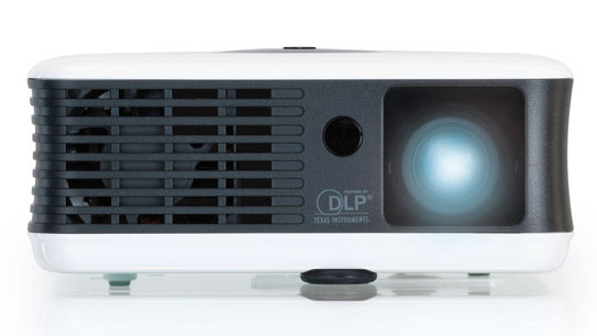 Toshiba F10 Mini LED Projector