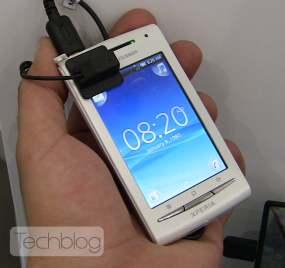 Sony Ericsson XPERIA X8 Techblog.gr