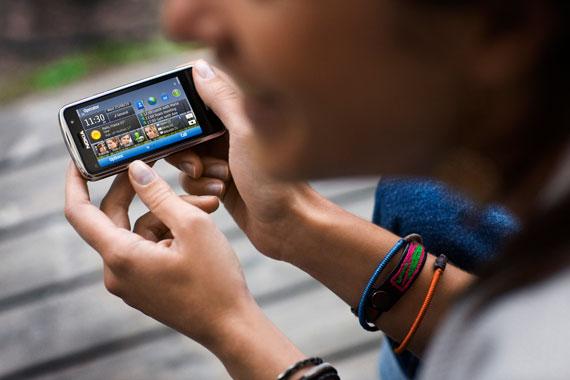 Nokia C6 Lifestyle