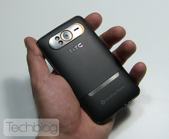 HTC HD7 hands-on Techblog.gr