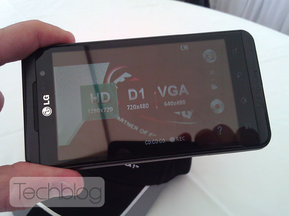 LG Optimus 3D Techblog.gr
