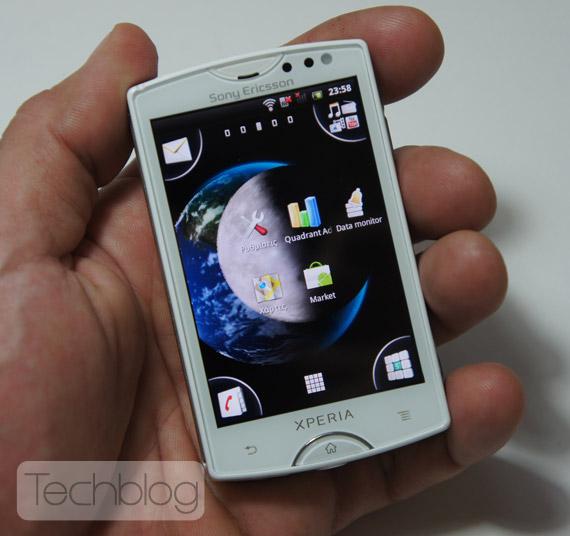 Sony Ericsson XPERIA mini Techblog.gr
