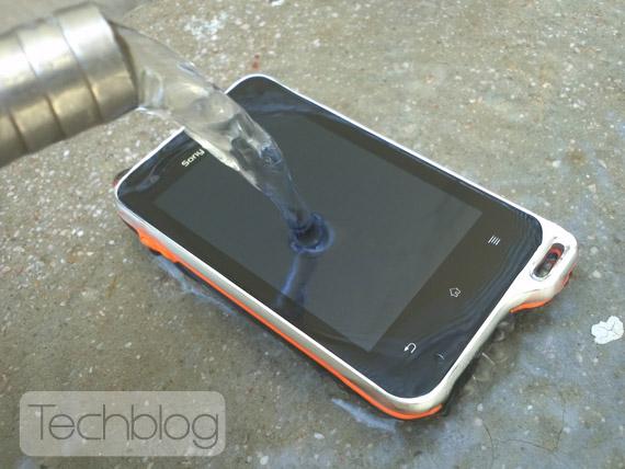 Sony Ericsson Xperia Active Techblog.gr