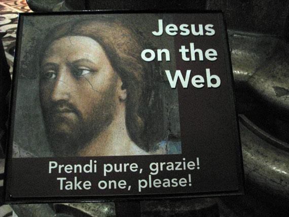 Jesus on the web, Καθολικός ναός Duomo στο Μιλάνο