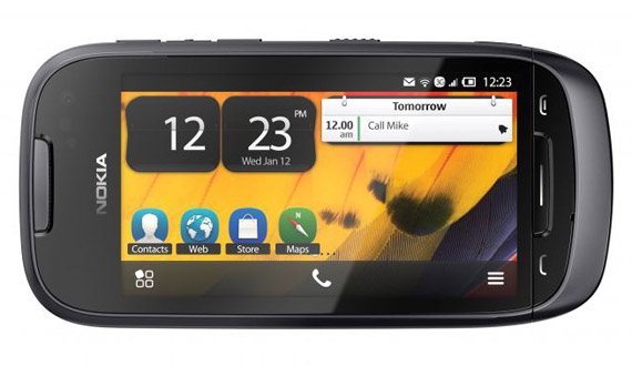 Nokia 701, Με οθόνη 3.5 ιντσών ClearBlack, Symbian Belle και NFC