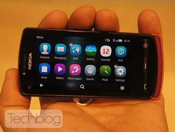 Nokia 700 Symbian Belle ελληνικό βίντεο παρουσίαση