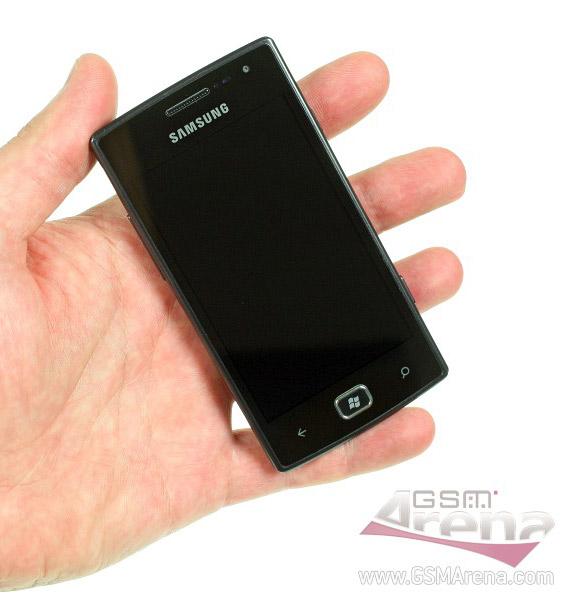 Samsung Omnia W, Windows Phone Mango με Super AMOLED και 1.4GHz