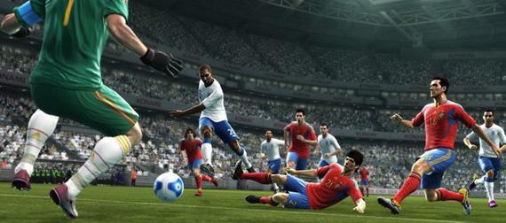 Το PES 2012 παίζει μπάλα
