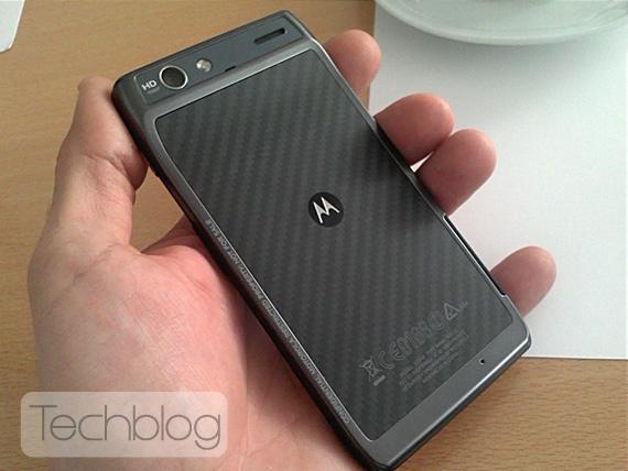 Motorola RAZR XT910, Έρχεται στην Ελλάδα το Δεκέμβριο με τιμή 599 ευρώ