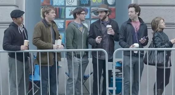 Samsung Galaxy S II, Τηλεοπτική διαφήμιση βγάζει νύχια στα Apple fan boys