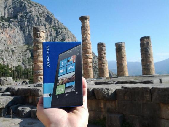 Nokia Lumia 800 unboxing στο Μαντείο των Δελφών