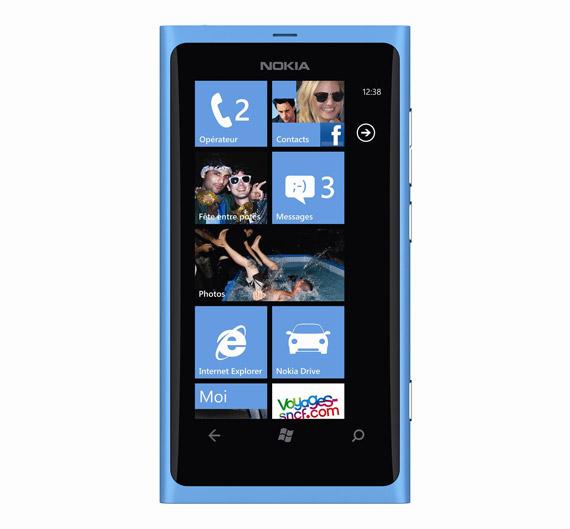 Nokia Lumia 800, Δείτε το πρώτοι σε ένα κατάστημα Vodafone