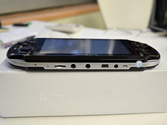 Κινέζικο Android κινητό φτυστό το Sony PS Vita!