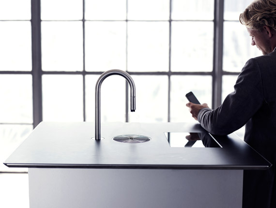 iPhone, Τελικά φτιάχνει καφέ [απίθανο video]