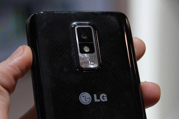 LG Spectrum P930, Hands-on video και φωτογραφίες από το τούμπανο [USA]