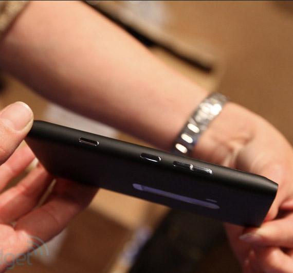Nokia Lumia 900 hands-on photos