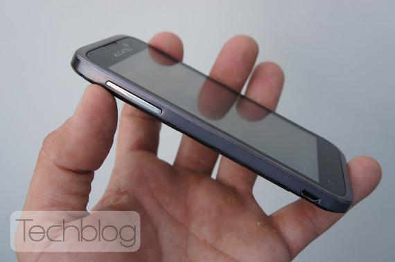 Alcatel OT 995 Ultra ελληνικό βίντεο παρουσίαση [MWC 2012]