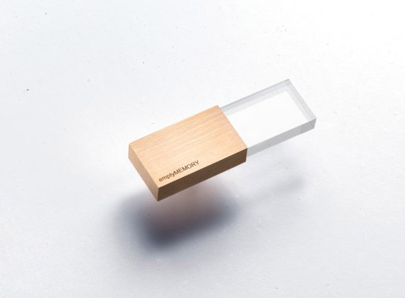 Logical Art, Minimal USB stick