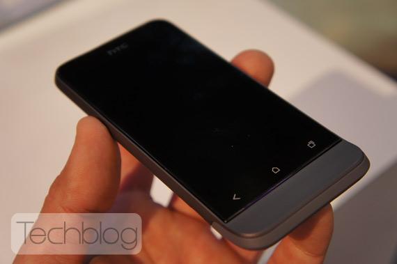 HTC One V φωτογραφίες hands-on [MWC 2012]
