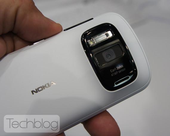 Nokia 808 Pure View με κάμερα 41 Megapixel