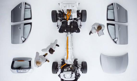 Volvo V60 Plug-In Hybrid, Unboxing και teardown σε αυτοκίνητο! [videos]