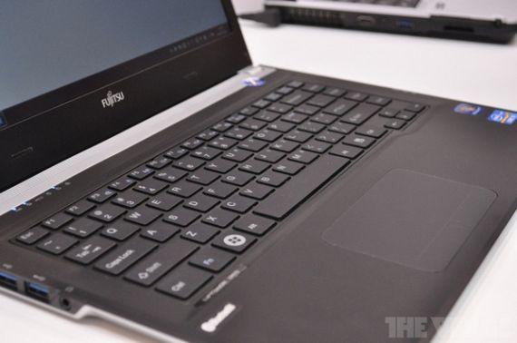 Fujitsu Lifebook UH572, Ultrabook με επεξεργαστή Ivy Bridge
