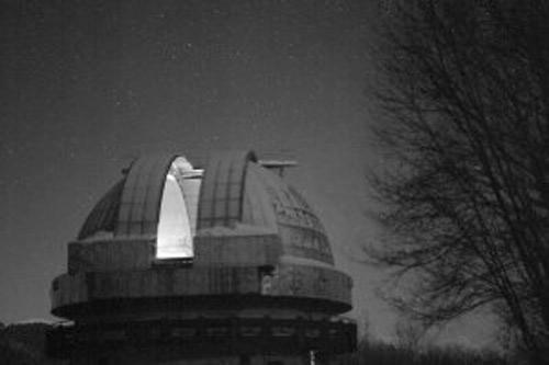 Το παρατηρητήριο Kiso φωτογραφημένο με έναν υπερευαίσθητο, μεγάλων διαστάσεων αισθητήρα CMOS, μία νύχτα με αμυδρό φωτισμό (0,1-0,3lux).
