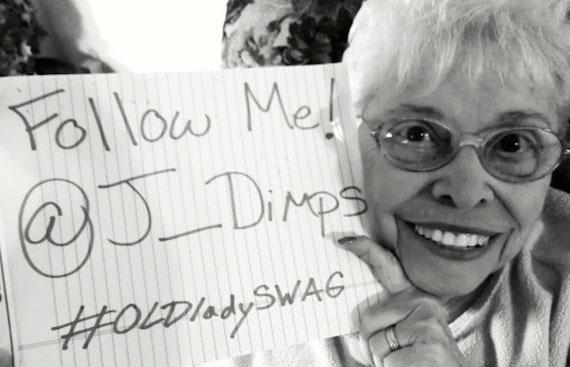 @J_DIMPS, Η Social Media Γιαγιά με τους χιλιάδες followers