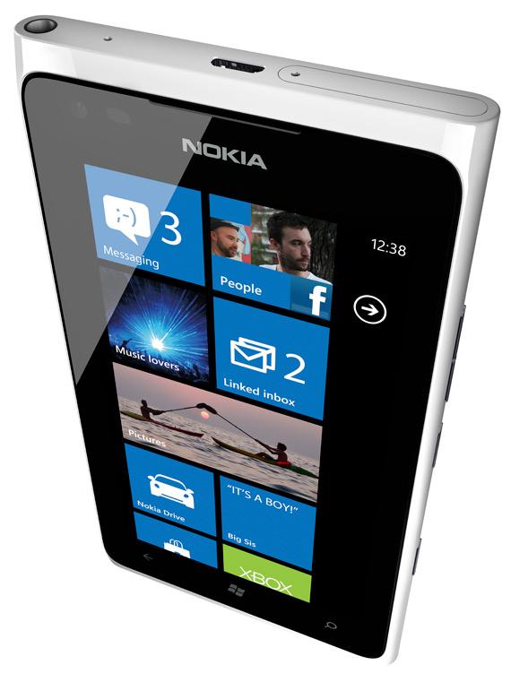 Nokia Lumia 900, Στην Ελλάδα θα κυκλοφορήσει τον Ιούνιο