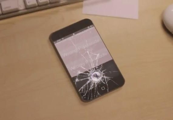 Siri, Σε πέντε δευτερόλεπτα το iPhone θα αυτοκαταστραφεί [funny video]