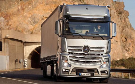 Mercedes Benz Predictive Powertrain Control, GPS με Cruise Control