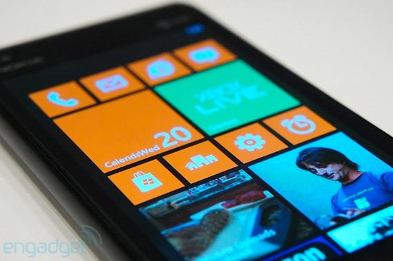 Nokia Lumia 900 με Windows Phone 7.8 [hands-on photos]