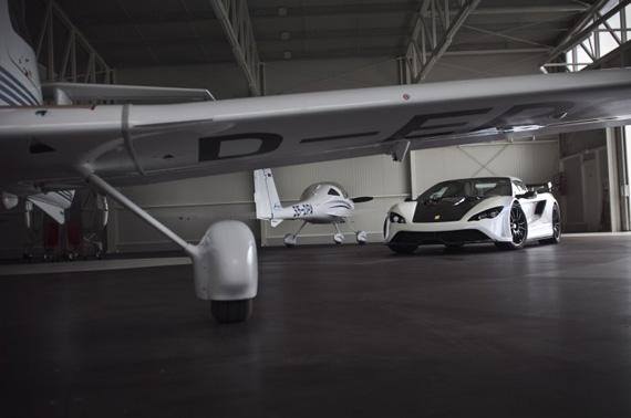 Tushek Renovatio T500, Στη Σλοβενία φτιάχνουν το δικό τους supercar