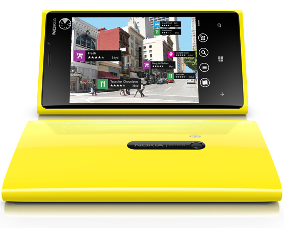 Nokia Lumia 920, Στην Φινλανδία εξαντλήθηκε πριν καν κυκλοφορήσει