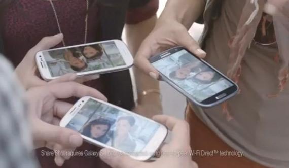 Samsung, Ρίχνει λάδι στη φωτιά και σπάει πλάκα με τα iPhone fan boys