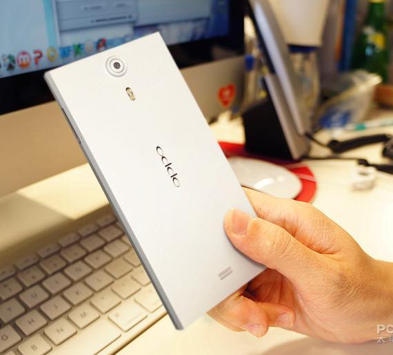 OPPO Find 5, Φωτογραφίες hands-on από το 5ιντσο FHD smartphone