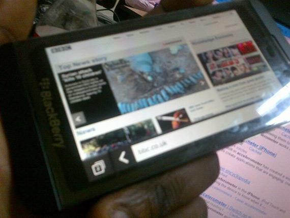 BlackBerry 10 L-Series, Φωτογραφίες 2 μήνες πριν τις ανακοινώσεις