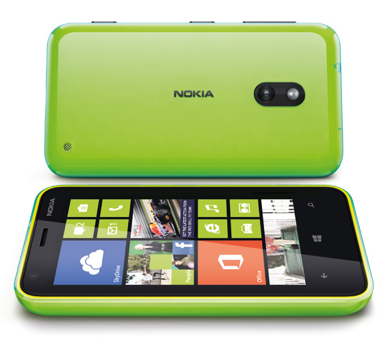 Nokia Lumia 620, Με Windows Phone 8 και οθόνη 3.8 ίντσες ClearBlack display
