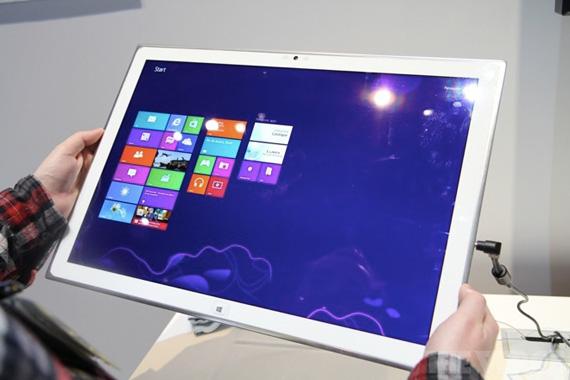 Panasonic, Windows 8 tablet με οθόνη 20 ινστών ανάλυσης 3840x2560 pixels