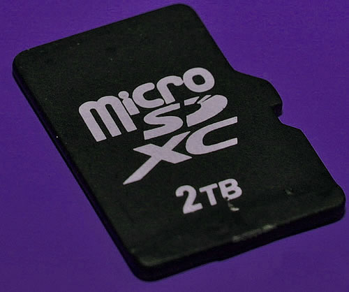 micro sdxc 2tb