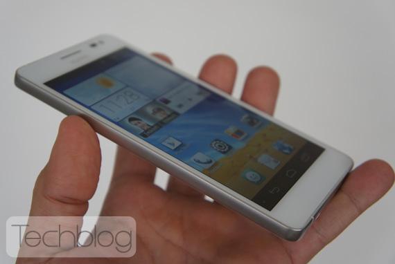 Huawei Ascend D2 hands-on Techblog.gr