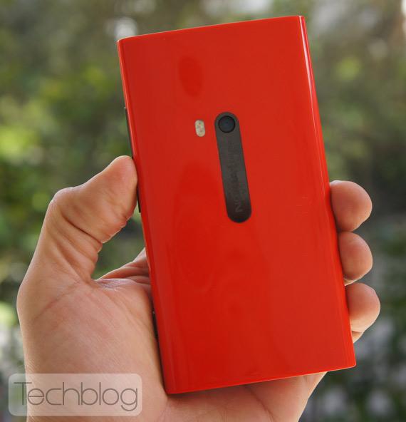 Nokia Lumia 920 hands-on Techblog.gr