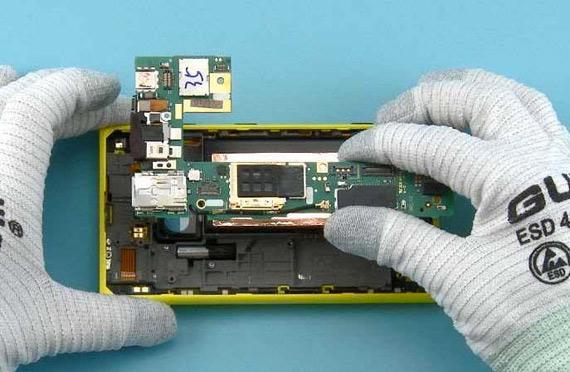 Nokia Lumia 1020 teardown
