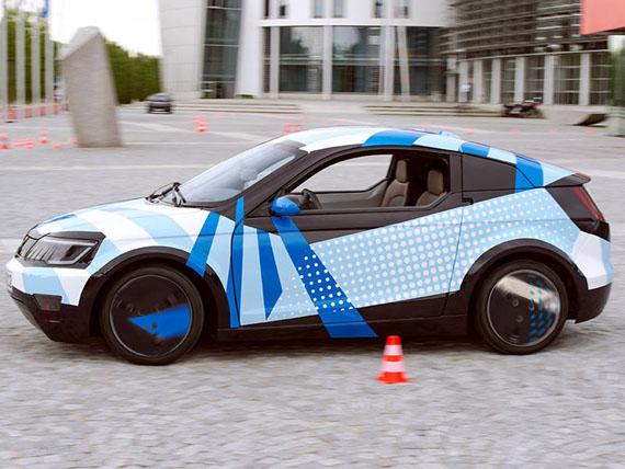 TUM Project, Τηλεκατευθυνόμενα αυτοκίνητα φυσικού μεγέθους