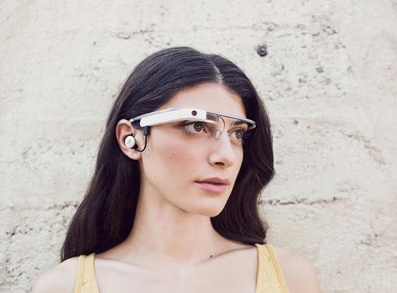 Google Glass woman
