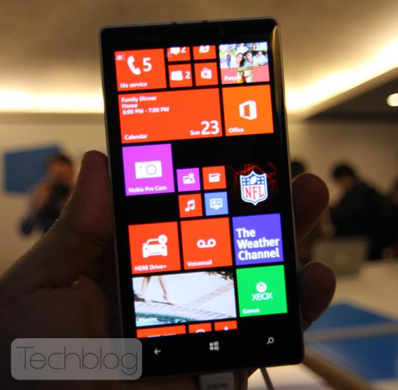 Nokia-Lumia-Icon-929-4