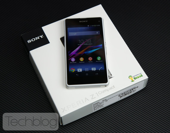 Sony- Xperia Z1 Compact unboxing video TechblogTV