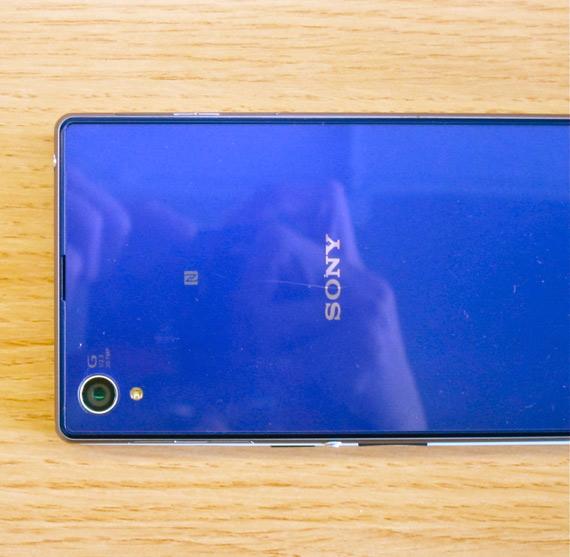 OnePlus One under Xperia Z1