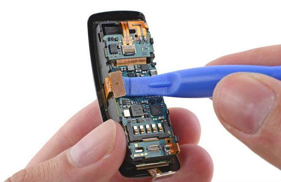 Samsung-Gear-Fit-teardown5-570